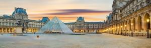 Paris-Louvre-pyramid-pic